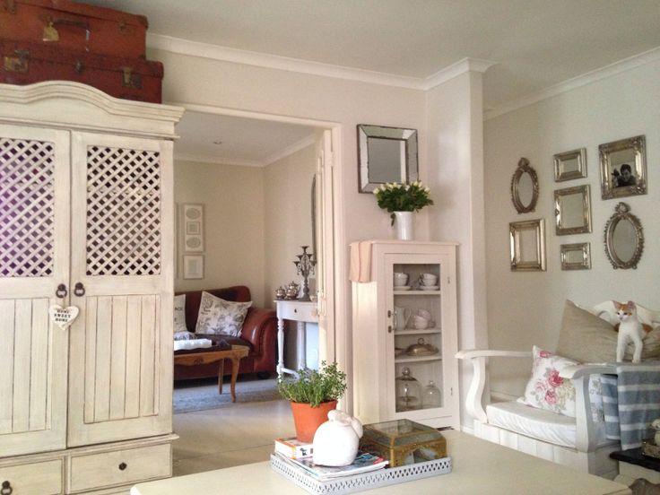 White home lounge