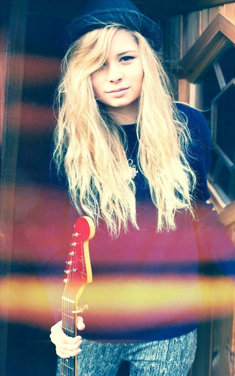 Nina Nesbitt- Do yourself a favor and look her up, you will never be the same :3
