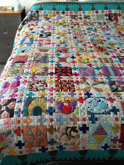 The Chuck Nohara quilt by Lorena in Sydney (Beautiful. fabric of every color) SUPER LIKE THE BORDER IN BETWEEN THE SQUARES