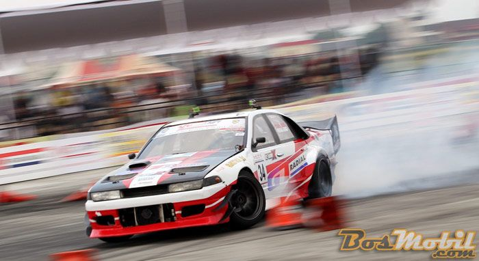 Gelar Juara BSI Drift Championship Of Indonesia Seri 1 Kelas Pro Direbut Rio SB #info #BosMobil