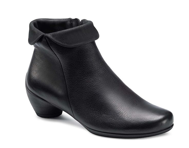 Ecco Sculptured Zip Up Dress Ankle Boot 245693-51052 - Robin Elt Shoes  http://www.robineltshoes.co.uk/store/search/brand/Ecco-Ladies/