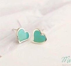 2017 new Korean fashion jewelry cute little love exquisite earrings wholesale free shipping