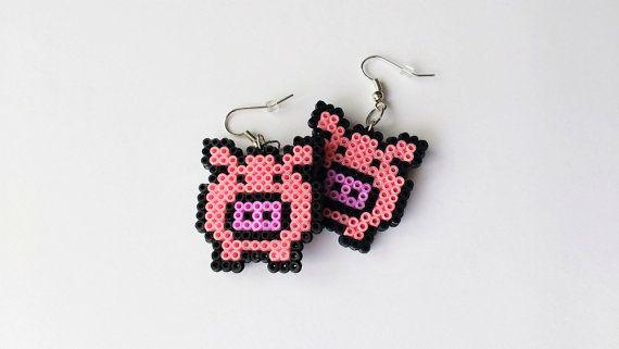 OINK! Orecchini di maiale carino, fatto a mano da me!  Ogni elenco di orecchino è per un paio di orecchini (quantità 1 significa 1 paio)  Questi