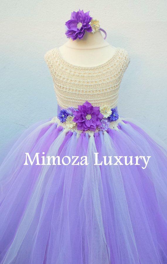 Tutú muy elegante vestido en lila, lila y crema, colores marfil + marco del satén que empareja y diadema con flores  La parte superior es tejido a