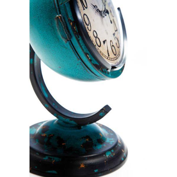 Ρολόι Τοίχου Scooter-Light Blue Μεταλλικό επιτραπέζιο ρολόι, με την όψη του φαναριού ενός σκούτερ σε γαλάζιο χρώμα με τεχνητή παλαίωση. Αποτελεί τη ρετρό νότα που λείπει από τον χώρο σας.