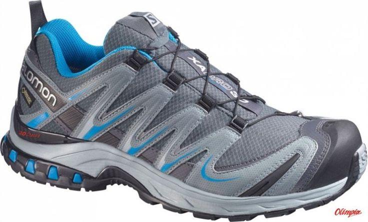Ten sprawdzony w każdą pogodę model butów z membraną GORE-TEXŸ, ewoluował w kolejnej odsłonie na rok 2014. Od pierwszego kroku, aż po +1000 km, docenisz niesamowite dopasowanie, zwiększoną trwałość oraz przyczepność, które wzbudzają zaufanie. Lekkie, trwałe i stabilne buty na najbardziej wymagające trasy biegowe. XA PRO 3D ULTRA 2 posiada ulepszony profil, zwiększoną trwałość oraz agresywny wzór bieżnika podeszwy. TECHNOLOGIE 1) 3D+ ADVANCED CHASSIS: Szeroka i niska rama dla poprawienia…