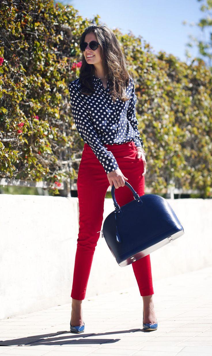 Resultado de imagen de estilos para combinar pantalon rojo estilo oficina  mujer 65f19af0c1b1