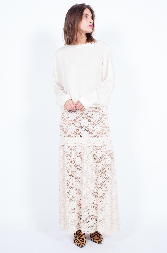 CREAM LACE SKIRT (SMALL-MED)