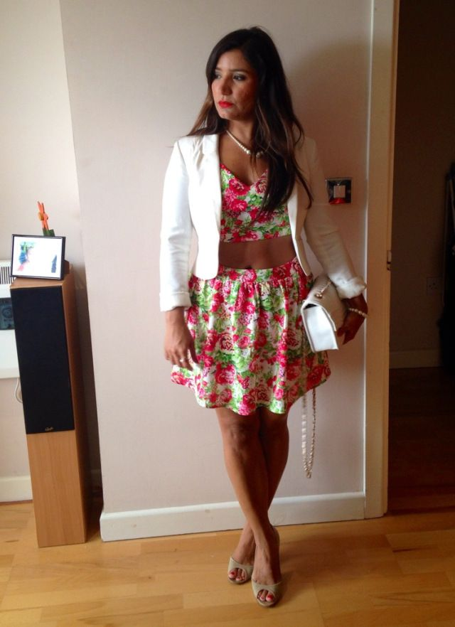 Flowery skirt and bralet coordinate from Forever 21, white jacket from H&M, beige peep-toes from Jimmy Choo, white bag from New Look.