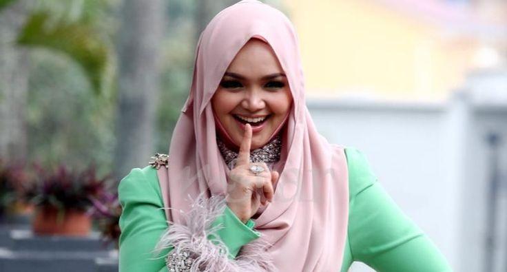 000000 Spekulasi Berita Kehamilan, Siti Nurhaliza 'Kunci Mulut' Kuala Lumpur – Penyanyi terkenal, Datuk Siti Nurhaliza Tarudin tetap dengan pendiriannya untuk tidak mengesahkan beliau sedang [...]