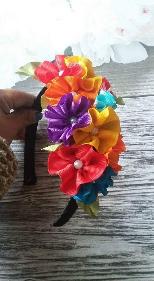 64b9ff59 Pin de gloria arellano en Cintillos | Hair bows, Bows y Ribbon art