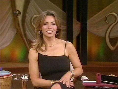 Happy 48th Birthday to Lisa Robertson <3