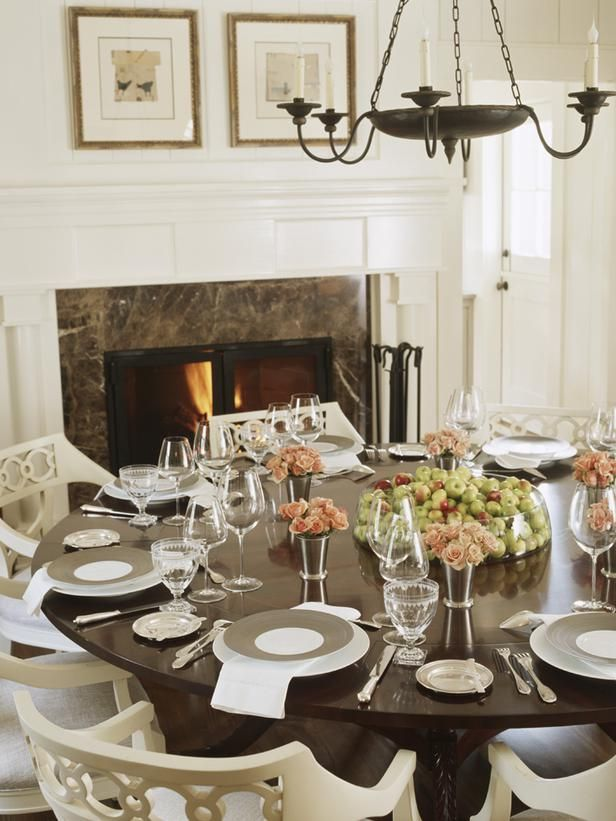37 best images about hgtv dining rooms on pinterest for Beautiful dining table centerpieces
