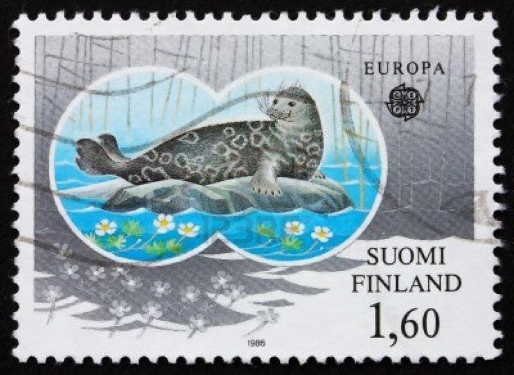 FINLANDE - CIRCA 1986: un timbre imprimé dans la Finlande montre phoque annelé de Saimaa, espèce en voie de disparition, vers 1986