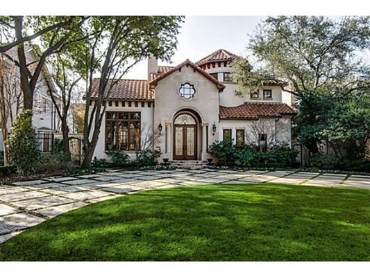 Exceptional roman villa with open floorplan luxury homes for Spanish style homes for sale in dallas tx