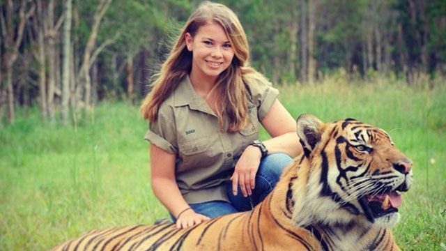 Wildlife warrior Bindi Irwin has a message for girls her age – stop showing so much flesh!