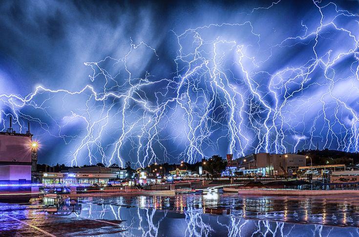 11 Insane Images Of Lightning Over Johannesburg