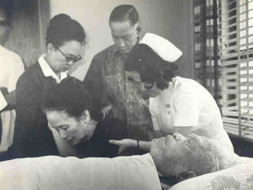 While we won't argue if he truly was a scheming opportunist or not, we'll just list down some of the mistakes Emilio Aguinaldo made during his lifetime.