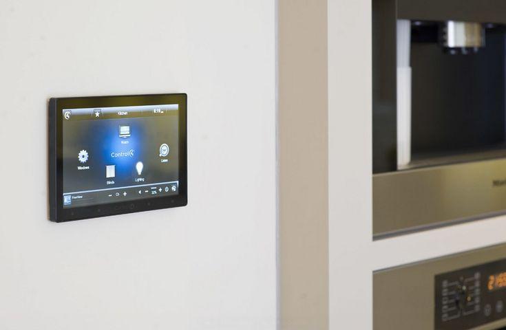 smart technology kitchen ideas2 10 Awesome Ways to Take Advantage of Smart Home Technology