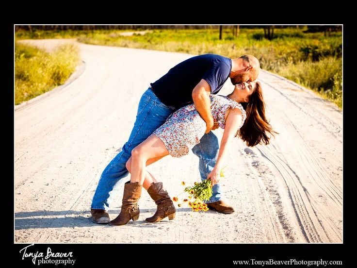 country couple photography ideas | This couple has a true, country love story | Photography Ideas