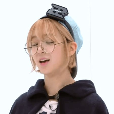 草娥(CHO-A) - granny glasses   AOA
