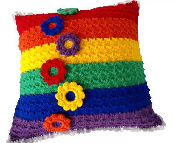 Almofada Arco-íris GLS Tricô e Crochê | msmusical crochê e arte | 31D3E2 - Elo7