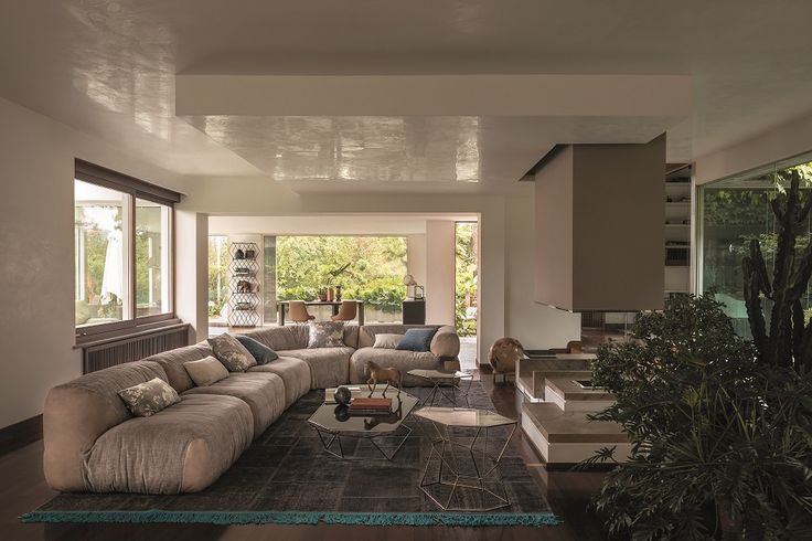 The sofa Lotus leads to the utmost concept of sectional sofa, as the units can be combined in several ways according to one's own taste and to the environment in which it is settled.