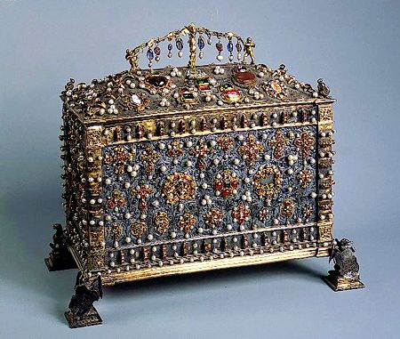 Casket of Jadwiga Jagiellonka, 1533 -     Made by Jacob Baur and Peter Flotner, Nuremberg.    Silver, uncut diamonds, rubies, sapphires, emeralds, pearls and other semiprecious stones; chased, polished and carved.               Copyright © 2011 State Hermitage Museum