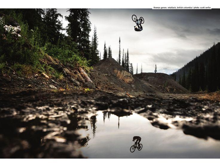 Reflejos en el aire y en el agua... #bicicletas #ciclismo #todobicis http://www.todobicis.net