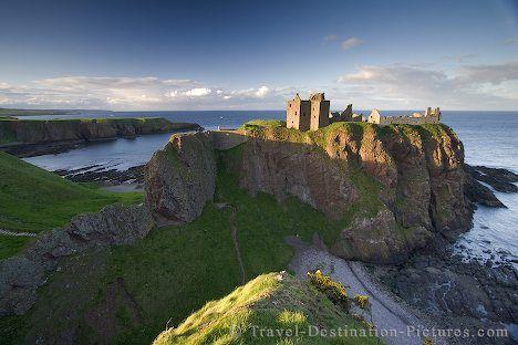 Dunnottar Castle in Aberdeenshire, Scotland.: Dunnottar Castles, Buckets Lists, Crui, Dreams, Castles Someday, Beautiful Places, Dunnottar Castleaberdeenshir, Scotland Castles, I'M