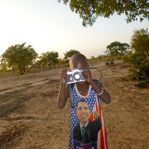 100 Kinder mit Kameras. 15000 neue Bilder aus Ruanda. Die Herner Fotografin Marie Köhler tritt an, um das westlich geprägte Bild Ruandas zu verändern. Kinder in Ruanda erhalten die Möglichkeit, das Land, in dem sie leben so zu zeigen, wie es ist: nicht als Krisengebiet, nicht als von Armut und Unglück gezeichnet. #crowdfunding #startnext #africa #photography