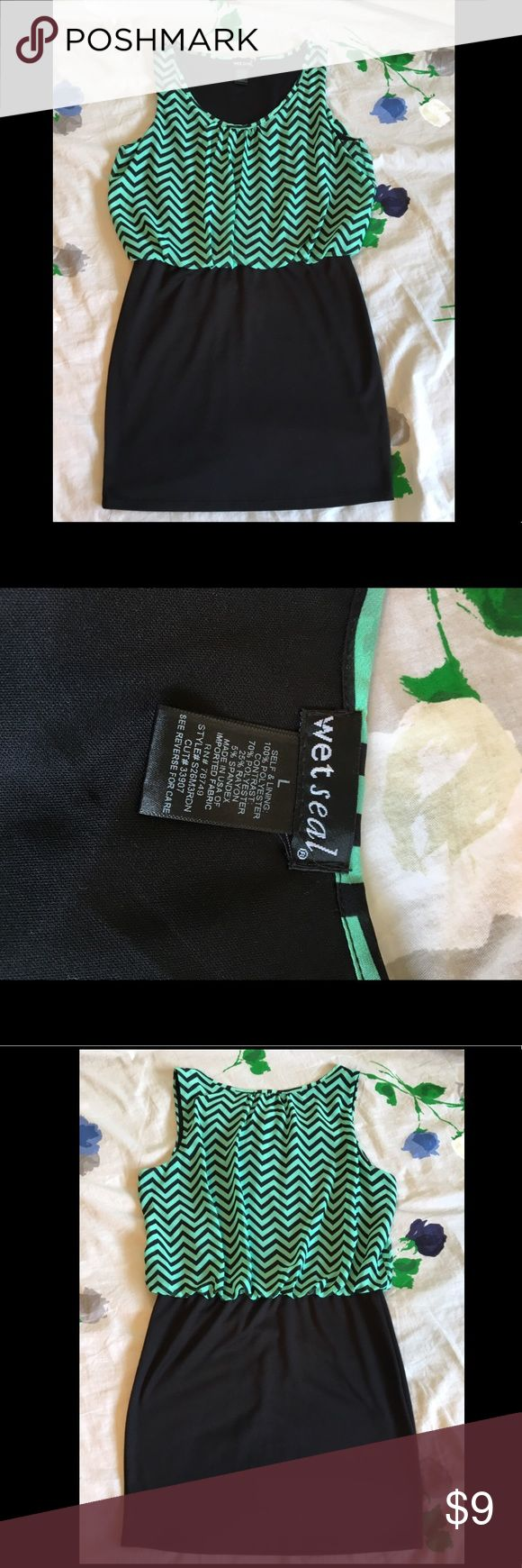 "Wet Seal Mint Chevron Dress Blousy top with lining and black stretchy skirt. Adorable dress!! 33"" long Wet Seal Dresses Mini"