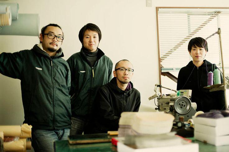 東京都墨田区にある爬虫類皮革(エキゾチックレザー)を専門に扱うタンナー藤豊工業所の工場内写真になります。 #クロコダイルレザー #エキゾチックレザー #工場写真