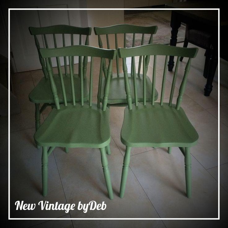 4 houten keuken stoelen in salie groen