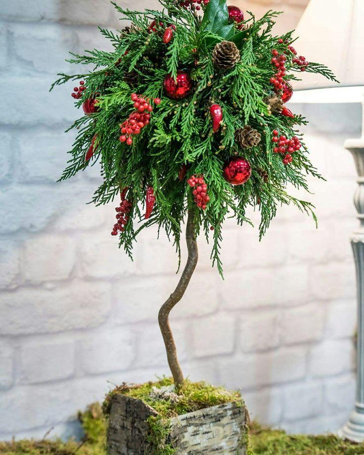 christmas tree  #flowershop #oneiranthi #rethymno #crete #greece