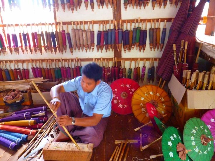 Dolorespormiabuela: Viajes -Fabrica de parasoles en Pindaya, Birmania
