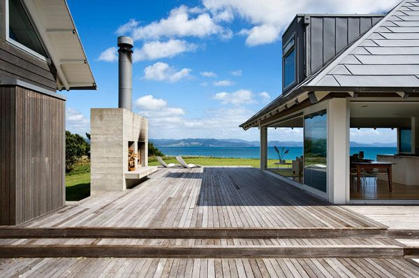 beach home designed by Crosson, Clarke, and Carnachan in New Zealand // beautiful indoor-outdoor space, patio