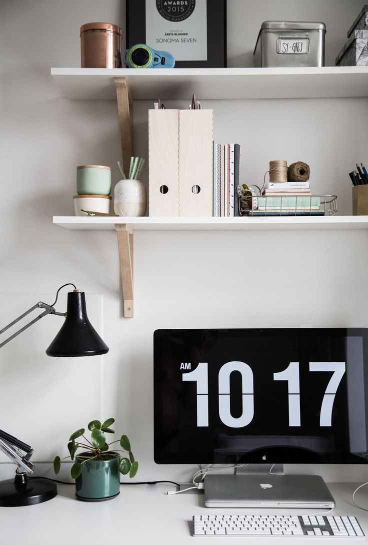 Home office essentials / Flip Clock screensaver / IKEA shelves / Studio Arhøj / by Sonoma Seven - http://sonomaseven.dk/simple-shelves-for-the-office/