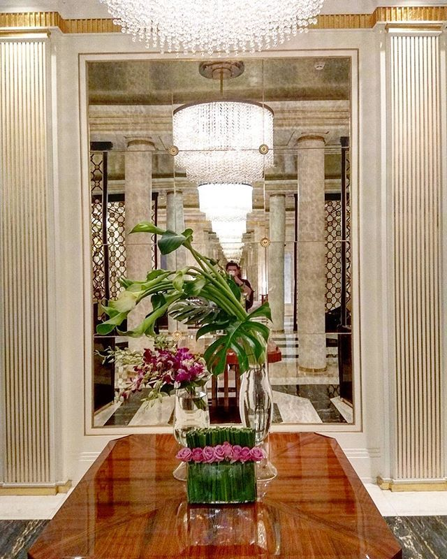 Lobby Grand staircase at Four Seasons Hotel Jakarta Sunter home
