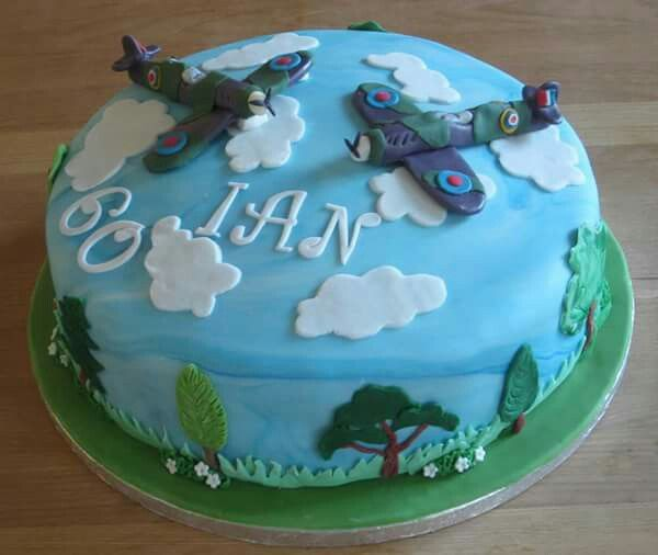 20 best spitfire cakes images on pinterest airplane for Airplane cake decoration