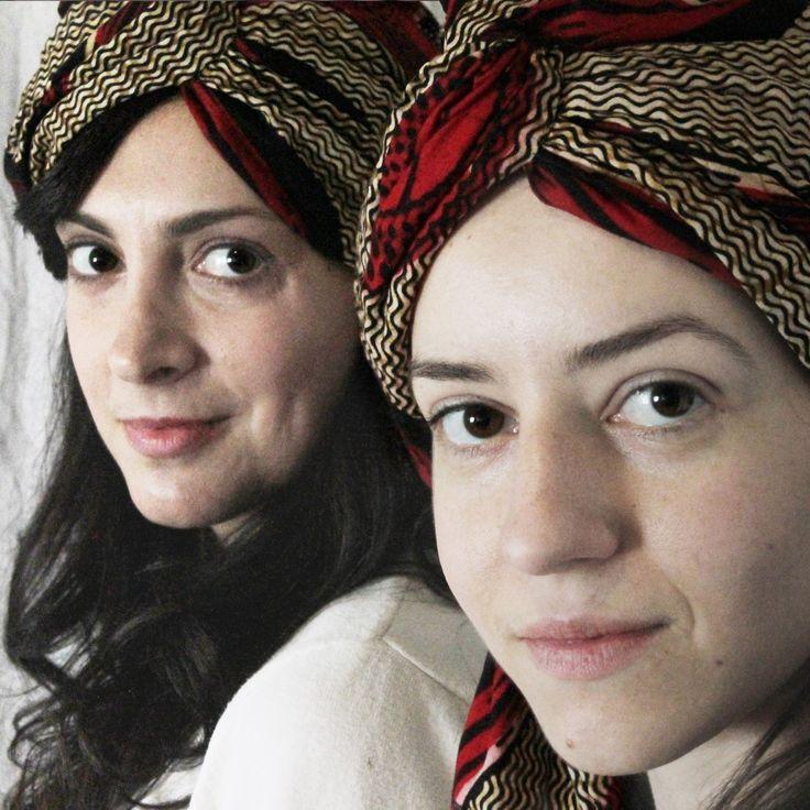 http://www.amamit.com Muestra de los turbantes de tela africana de la colección de Amamit verano 2014. Realizado por el Atelier Carmen Hernán, modelo exclusivo para Amamit  #moda #sombrero #tocado #turbante #áfrica #Amamit