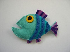 Felt fish. Cute and easy, I'm sure!