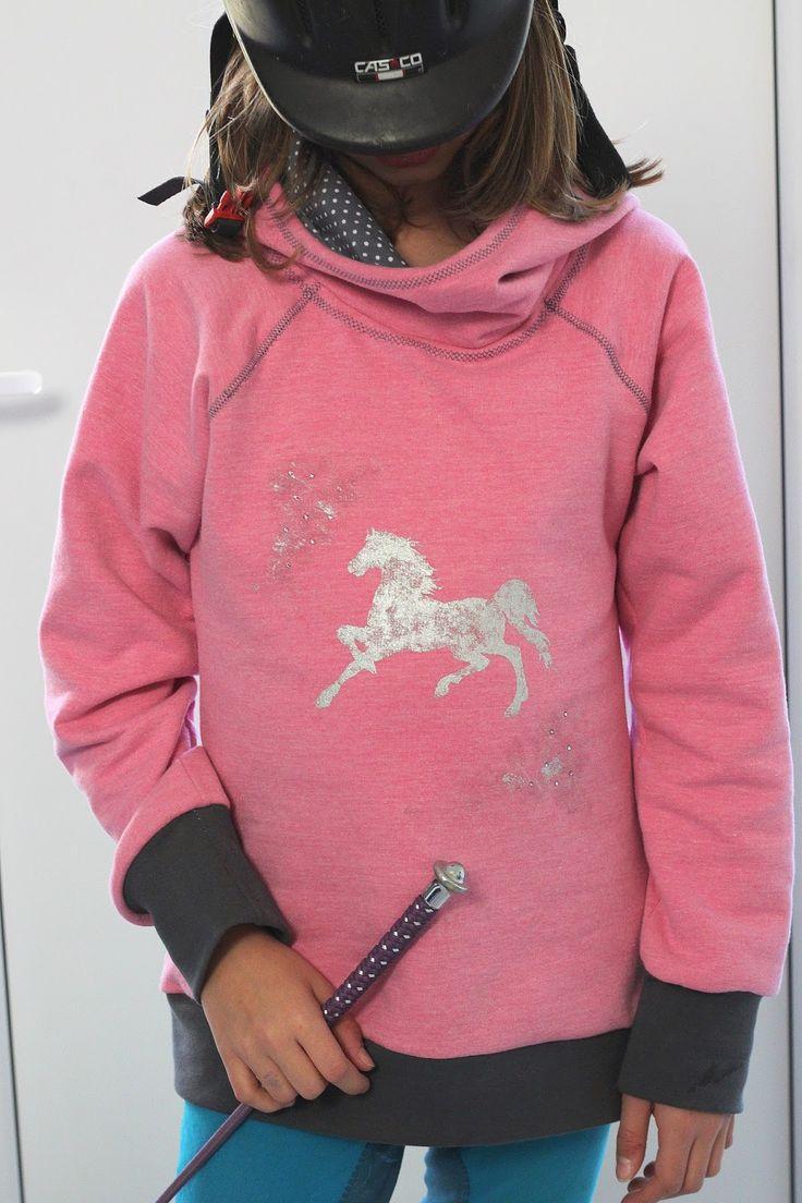Pepelinchen: für (m)einen kleinen Pferdefan: Kaputzenpulli Kanga