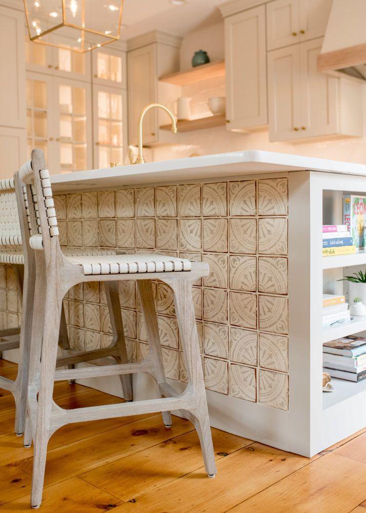 Tiled Kitchen Island Ivory Bone Interiors Freebird Photography Kitchen Tiles Kitchen Kitchen Dining