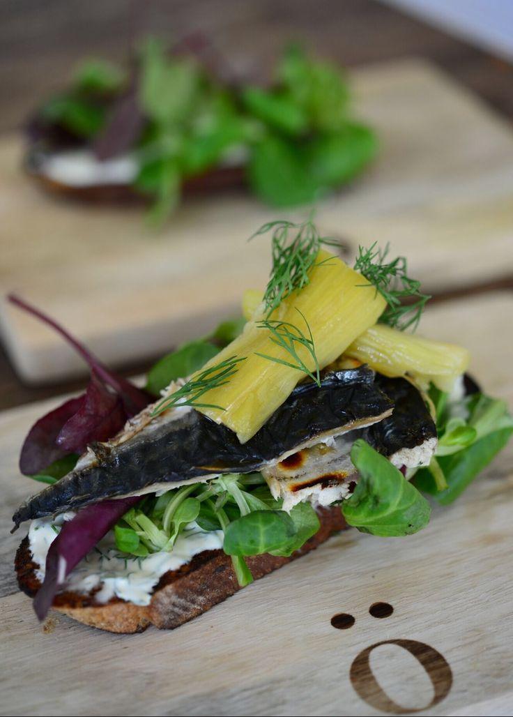 Makrell & rabarbra   lars spiser – oppskrifter & matglede