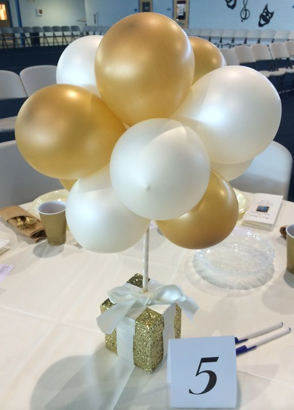 Best 25 balloon centerpieces ideas on pinterest balloon for Balloon decoration ideas no helium