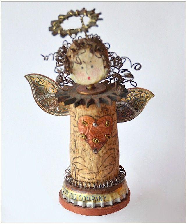 Engel aus Weinkorken und Flaschendeckel