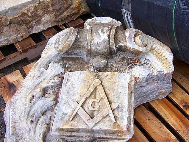 Tapınak Şövalyeleri, tarihin en gizemli ve sırrı halen çözülemeyen topluluklarından biridir.