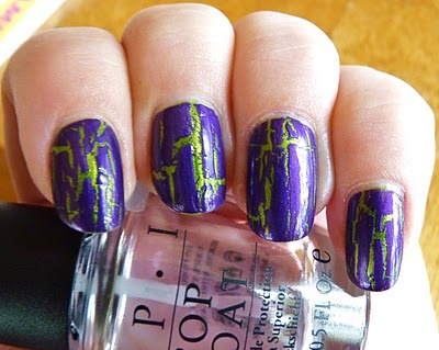 Crackle polish Fault Line Finger nail design,
