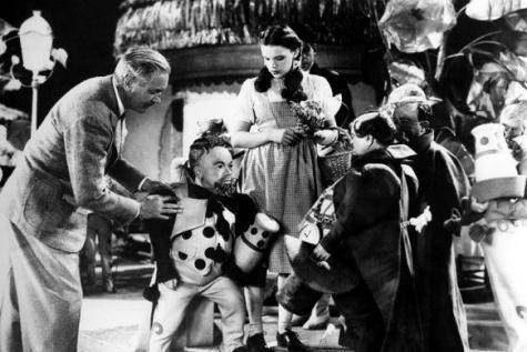 Judy Garland agressée sexuellement pas les Munchkins du Magicien d'Oz ? - soirmag.be